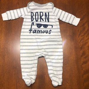 Gap 0 - 3 mo one piece pyjama outfit born famous